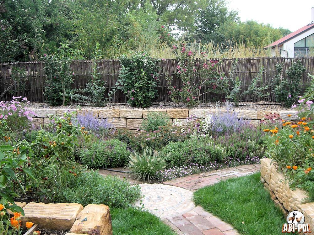 Steine im garten for Garten steine 40x40